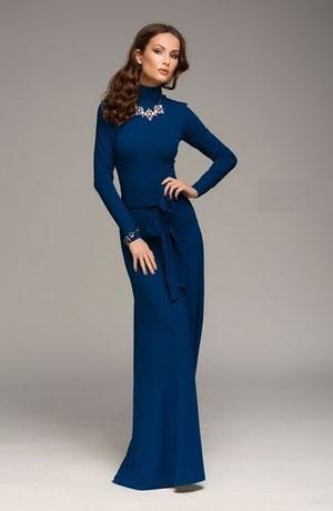 Длинное темно синее платье в пол