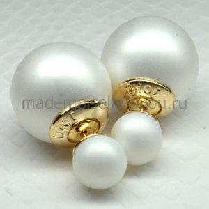 Серьги белые шарики матовые Fashion Frozen Matt G