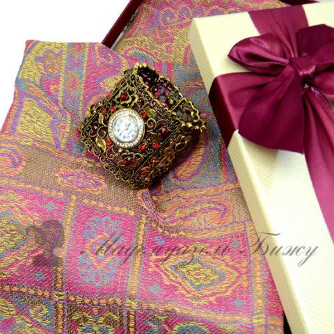 Подарок женщине на Новый год