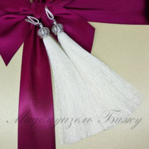 Длинные серьги кисточки белые Oscar White LUX